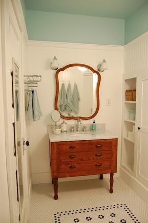 美式简约风格卫生间镜饰装饰