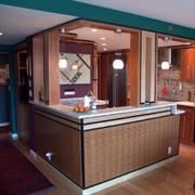 深色调厨房吧台设计