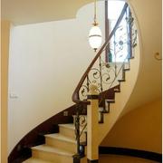 复式楼美式风格旋转楼梯装饰