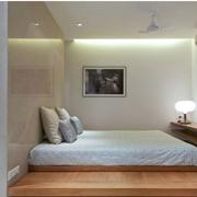 卧室榻榻米床装修