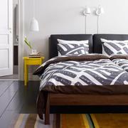 都市风格卧室原木地板装饰