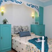 现代简约风格儿童房床头柜装饰
