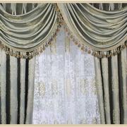 欧式奢华浅色窗帘装饰