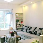 北欧风格客厅飘窗装饰