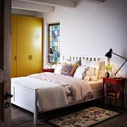 简约风格卧室原木衣柜装饰