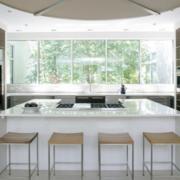 大型别墅厨房简约风格吧台装饰