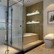 现代简约风格浴室玻璃隔断装饰