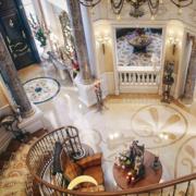 美式奢华大型旋转楼梯装饰