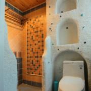 地中海风格卫生间原木吊顶装饰