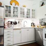 欧式简约风格L型厨房装饰