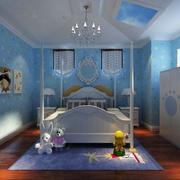 天蓝色的别墅卧室
