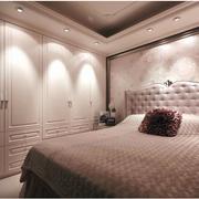欧式简约风格卧室整体衣柜装饰