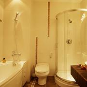小户型简约风格卫生间浴缸装饰