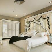 白色纯美的卧室