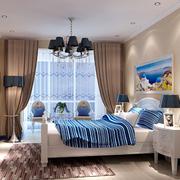 暖色调的家居卧室