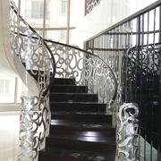 黑色实木楼梯图片