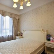 欧式风格卧室浅色墙饰装饰