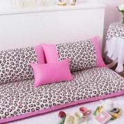 小女孩喜欢的客厅沙发