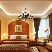 暖色调的家居卧室展示