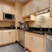 整体式原木厨房橱柜装饰