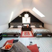 斜顶阁楼双人卧室