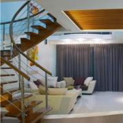 大型海景房楼梯装饰
