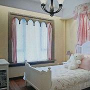 欧式风格儿童房飘窗装饰