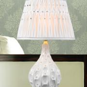 卧室白色时尚台灯