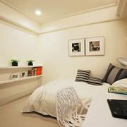 米白色的卧室书房