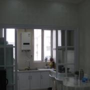 两室一厅简约厨房推拉门装饰