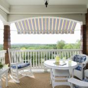 欧式简约风格白色阳台桌椅装饰