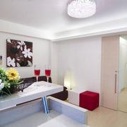 白色简约居室装潢