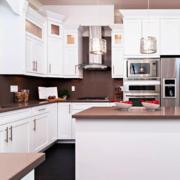 美式简约白色系厨房装饰