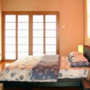 日式简约风格卧室推拉门装饰