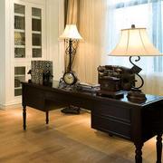 欧式书房原木桌椅装饰