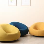客厅彩色小沙发