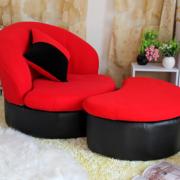 宜家舒适的客厅沙发