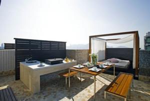 2015时尚阳台折叠式餐桌装修效果图