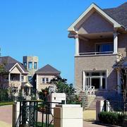 美式别墅庭院围墙装饰