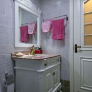 欧式简约风格卫生间镜饰装饰