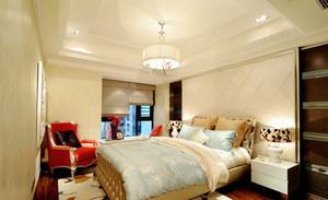 120㎡三居室欧式卧室背景墙装修效果图