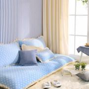 蓝色时尚的客厅沙发