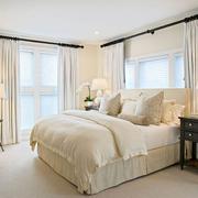 欧式风格白色系卧室飘窗装饰