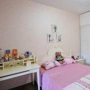 现代简约风格白色系卧室墙饰装饰