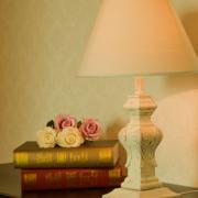 卧室时尚前卫台灯