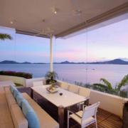 海景房阳台桌椅装饰