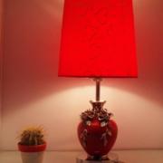 卧室红色靓丽台灯