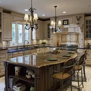 美式厨房吊顶创意灯饰装饰