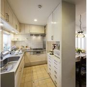 厨房简约橱柜隔断装饰