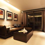 后现代风格客厅原木茶几装饰